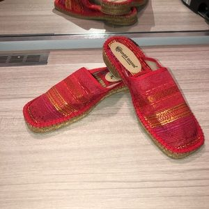Andra Assoue Red Mule